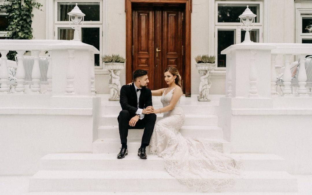 Urocza sesja ślubna w Pałacu Pstrokonie