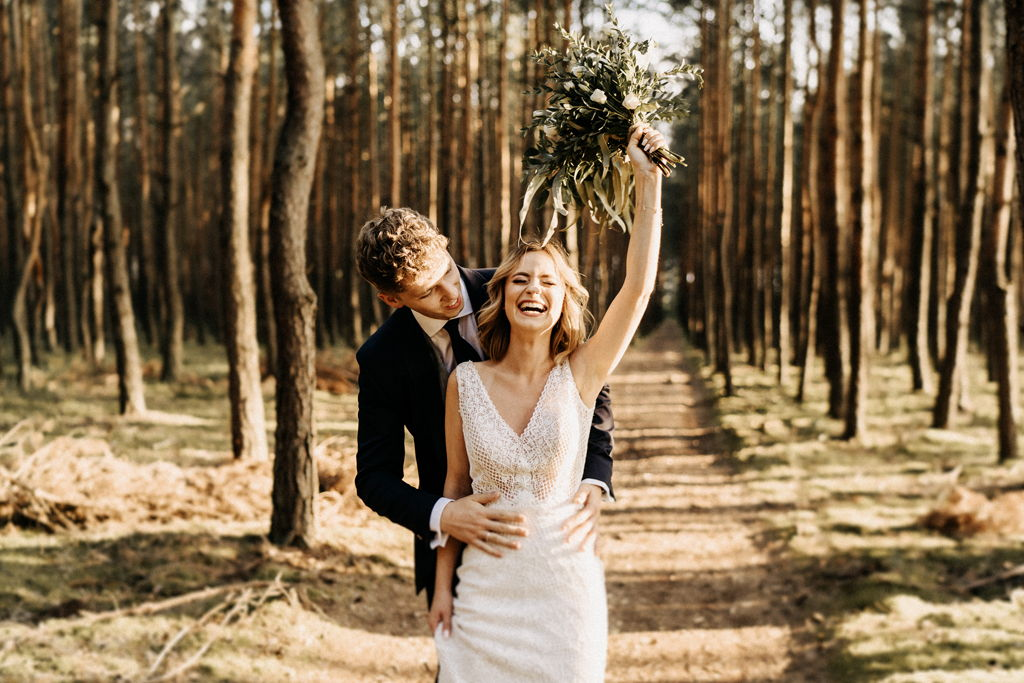 fotograf ślubny łodź sesja ślubna w lesie i nad wodą