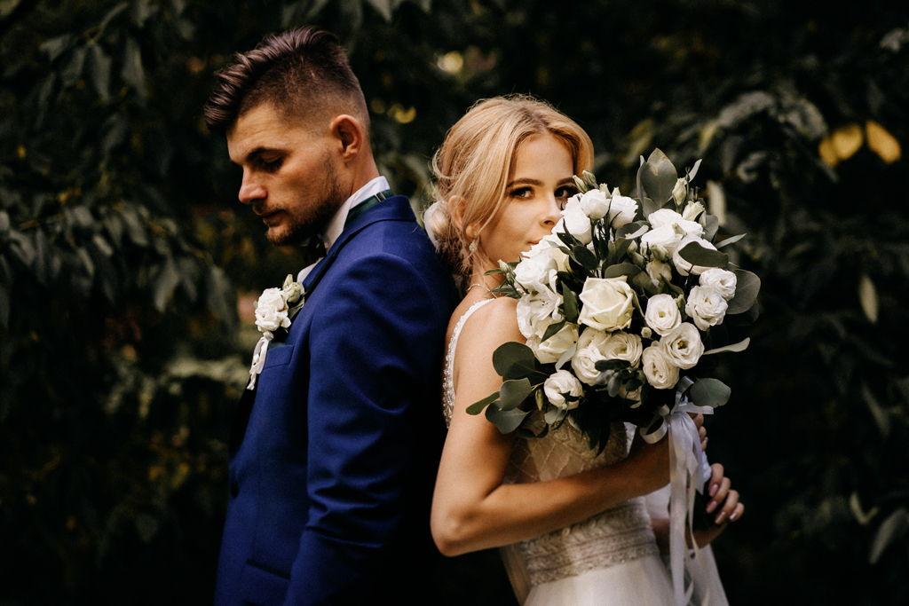 Sesja ślubna w dniu ślubu - w lesie